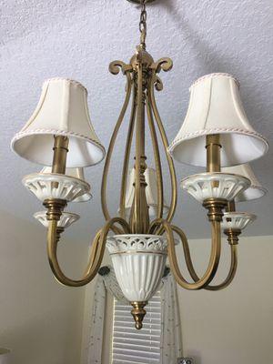 Quoizel 5 Light Matelasse Chandelier byLENOX for Sale in Belleair Bluffs, FL