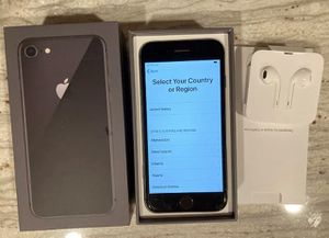 iPhone 8 64g unlocked CASHAPP OR APPLE PAY for Sale in Kennesaw, GA