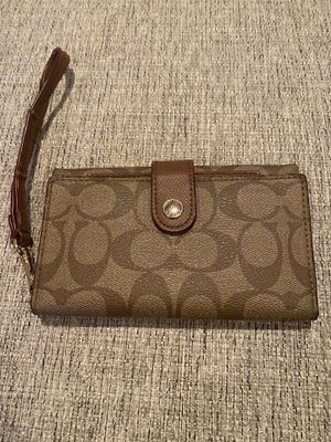 Coach wristlet. for Sale in San Diego, CA