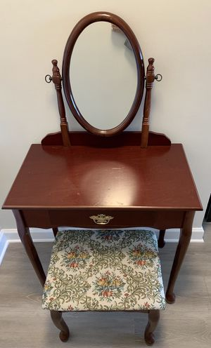 Elegant Dark Cherry Wood Vanity Set for Sale in Alexandria, VA