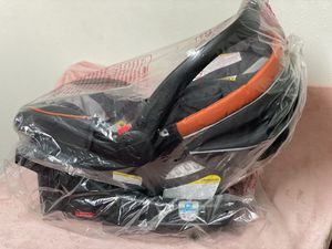 Graco Snugride Click Connect 35 Infant Car Seat for Sale in Grand Terrace, CA