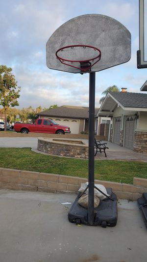 Free portable Basketball hoop for Sale in Anaheim, CA