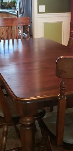 Solid Mahogany Ashley Fine Furniture Table for Sale in Tualatin,  OR