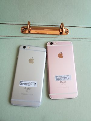 IPhone 6s 64gb unlocked each phone $185 for Sale in Medford, MA