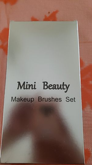BRAND NEW!! MAKEUP BRUSHES for Sale in Victorville, CA