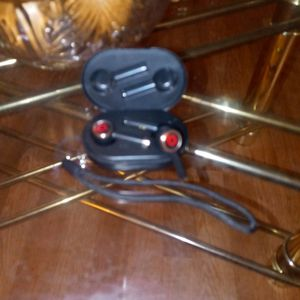 Wireless Pro Earbuds Beats for Sale in Medford, MA