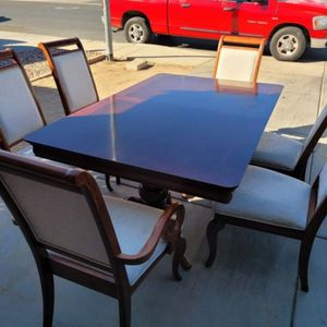 CEDAR WOOD Dining Table for Sale in Surprise, AZ