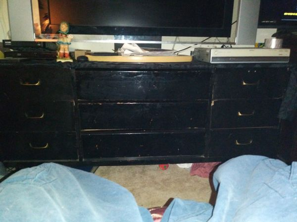 Bed Dresser and 2 nightstand set