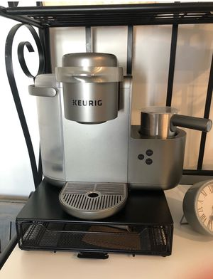 Keurig Cafe with K Cup holder for Sale in Portsmouth, VA