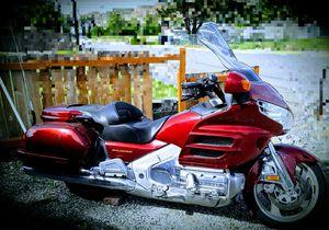 Motorcycle-2002 Honda GL1800 Goldwing for Sale in East Wenatchee, WA