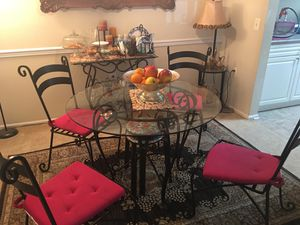 Dining table with mini bar and end table for Sale in Fairfax, VA