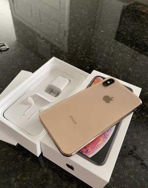 iPhone XS Max (64GB , 256GB ) Factory Unlocked   30 Days warranty ( Still under Apple warranty) Like New for Sale in Wesley Chapel, FL