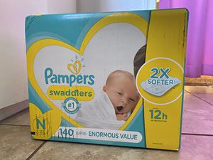 Pampers Swaddlers Newborn Diapers 140 Count for Sale in Orange, CA