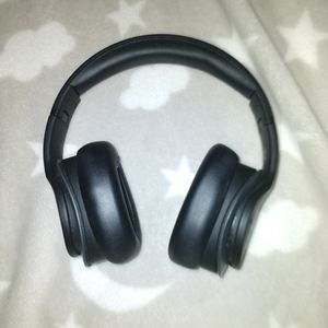 N Credible Bluetooth Studio Headphones for Sale in The Bronx, NY