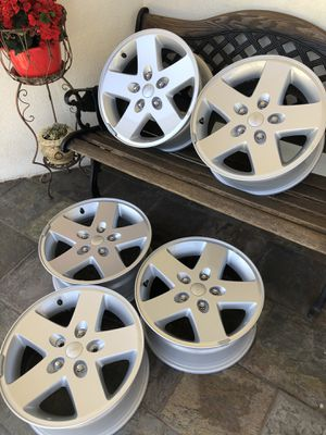 Jeep Wrangler 2018 rims 17 inch...... for Sale in Los Angeles, CA