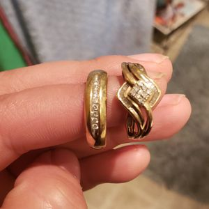 Wedding rings 10k sólid gold and real diamonds for Sale in Hillsboro, OR