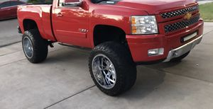 2007-2014 rough country Suspension Lift kit and wheels for Sale in Long Beach, CA