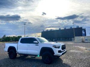 Non🚭 Toyota Tacoma Pickup 2017 for Sale in Grand Rapids, MI