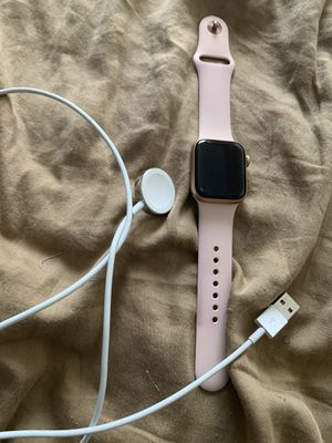 Apple Watch series 4 40mm gps + cellular for Sale in Jacksonville, FL