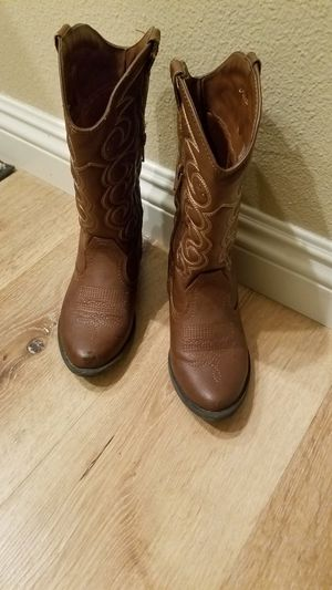Girls boots size 1 for Sale in Laguna Niguel, CA