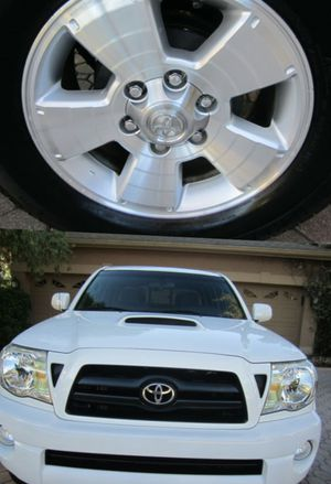 Gorgeous. 2008 Toyota Tacoma AWDWheels for Sale in Green Bay, WI