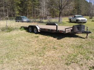 33 2017 foot trailer has built in ramps LED lights for Sale in Milledgeville, GA