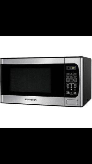 New microwave with box (Brickell) for Sale in Key Biscayne, FL