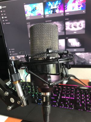 Condenser Microphone MXL 990 Midnight w/ Arm Stand for Sale in Zephyrhills, FL
