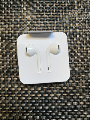 iPhone original Lighting Connector Earbuds Earphone Wired Headphones Headset with Mic and Volume Control,Compatible with Apple iPhone 11 Pro Max/Xs M for Sale in Carson, CA