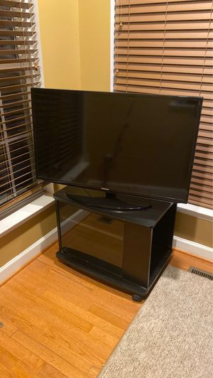 Samsung TV with Cart for Sale in Damascus, MD
