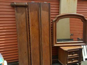 King Bedroom Set for Sale in Philadelphia, PA