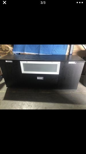 "ITALIAN TV STAND FURNITURE 18x67x29"" for Sale in Miami Gardens, FL"