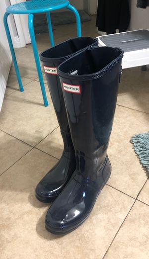Women's size 11 Hunter rain and snow boots for Sale in Lake Forest, CA