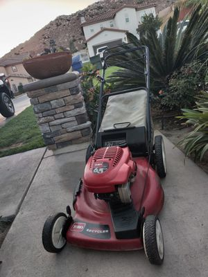 Toro self-propelled LAWNMOWER 6.5 HP in working conditions for Sale in Riverside, CA