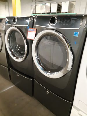 ELECTROLUX FRONT LOAD WASHER AND DRYER SET WORKING PERFECTLY for Sale in Baltimore, MD