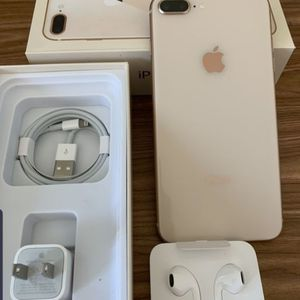 iPhone 8 Plus 256GB Like New ( Unlocked for any carrier ) for Sale in Silver Spring, MD