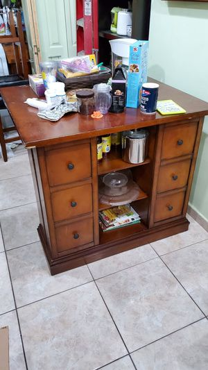 Kitchen breakfast / dinner table with organizer and glasses and bottle storage for Sale in Miami, FL