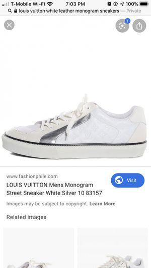 Louis Vuitton low top monogram for Sale in Marietta, GA