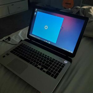 Toshiba Laptop with AMD A8 core. for Sale in South Gate, CA