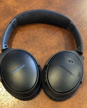 bose quietcomfort 35 wireless headphones for Sale in Lake Oswego, OR