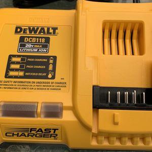 New DeWalt 20v Fast Charger Model # DCB118 for Sale in Visalia, CA