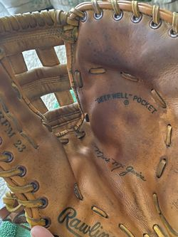 Rawlings RFM23 Mark McGuire First Base Glove Reconditioned for Sale in Matthews,  NC