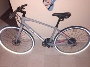 Specialized Sirrus Sport Bicycle for Sale in Lexington, KY