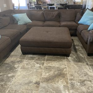 FREE Sectional 19th Ave & Jomax 14'x 10' + Chair & Ottoman for Sale in Phoenix, AZ