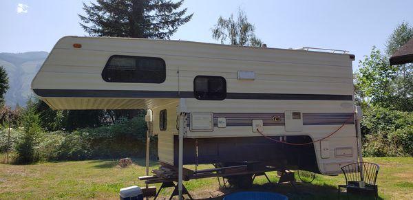 """Northland polar 9'6"""" fullsize truck camper TRADE"""