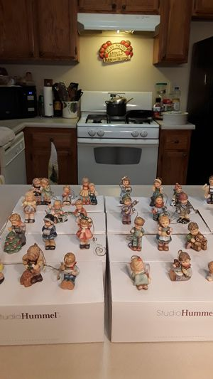 HUMMEL CHRISTMAS ORNAMENTS COLLECTION LIKE NEW ORGINAL BOXES ALL ONE PRICE $400.00 OR BEST REASONABLE OFFER NO LOW BALLERS ***PLEASE for Sale in Bakersfield, CA