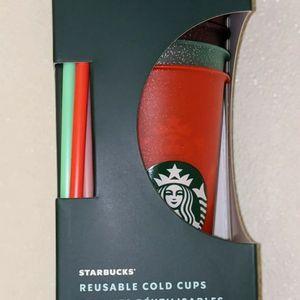 2020 Glitter cold reusable starbucks cup for Sale in Glendale, AZ