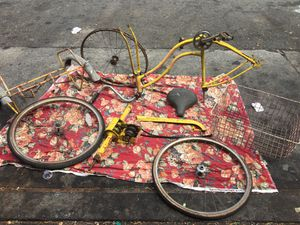 SCHWINN tri wheeler TOWN AND COUNTRY for Sale in San Francisco, CA