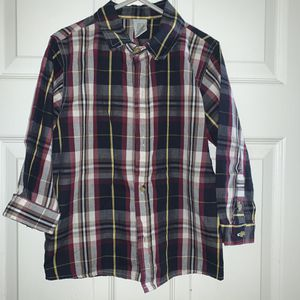 Size 5T boys button down long sleeve shirt. for Sale in North Providence, RI