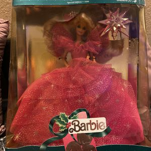 VINTAGE AND COLLECTORS SPECIAL EDITION 1990 HOLIDAY BARBIE for Sale in Arlington, TX